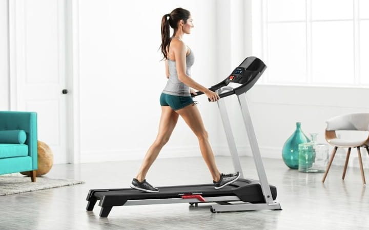 10 Best Treadmills in India 2021 – Reviews and Buying Guide