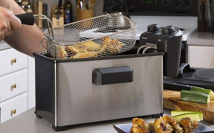7 Best Deep Fryers for Crispy and Tasty Food in Less Time (2021)